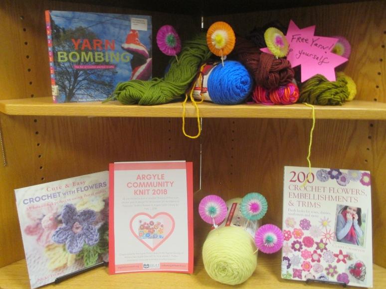 knit bomb 001